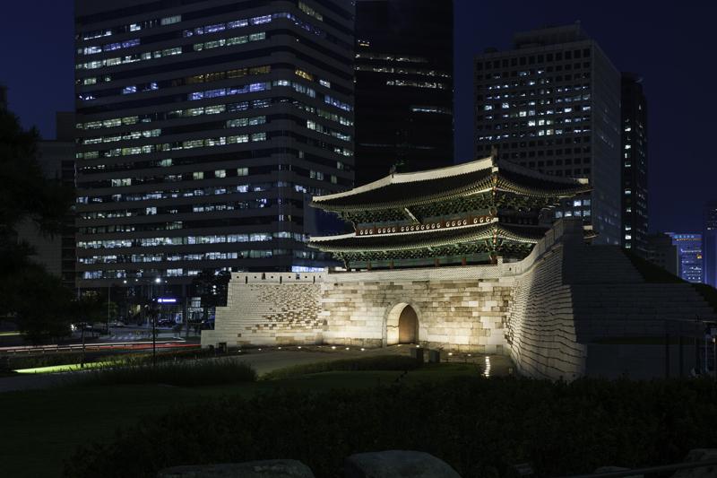 숭례문 복구 및 성곽복원공사2.jpg
